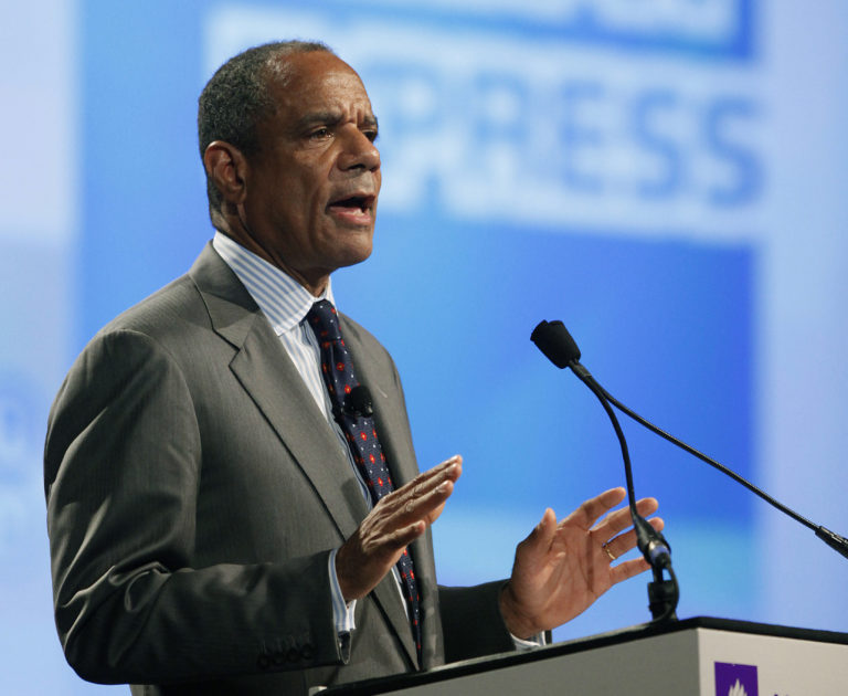 Chenault dealt with crises, competition as head of AmEx