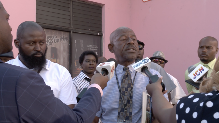 Taxi drivers want moratorium lifted