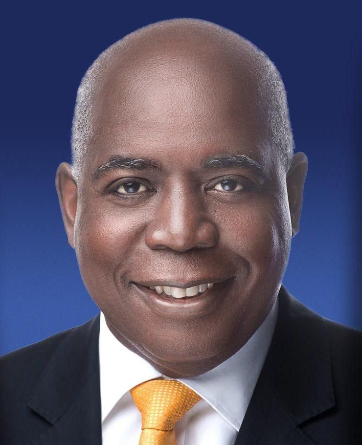 Davis admits secretary had shares in disputed company