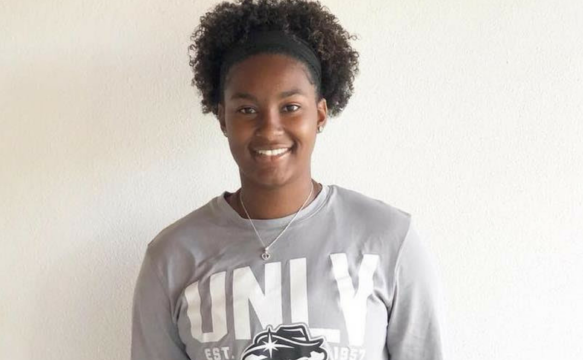 Astwood signs with UNLV