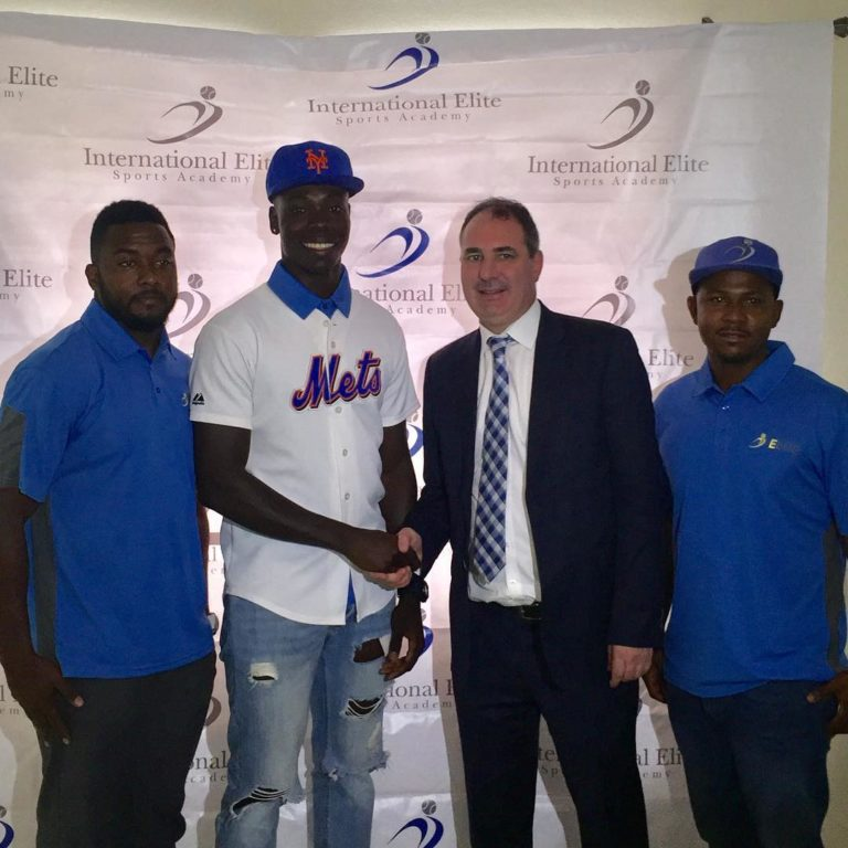 Saunders signs with New York Mets