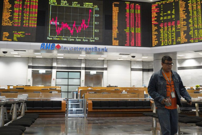Asian stocks higher after Wall Street fall, Brexit approval