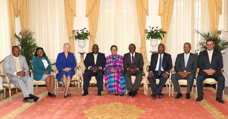 Governor General hosts opposition to reception