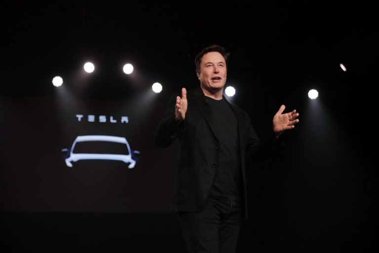 Tesla's $700M Q1 net loss much larger than expected
