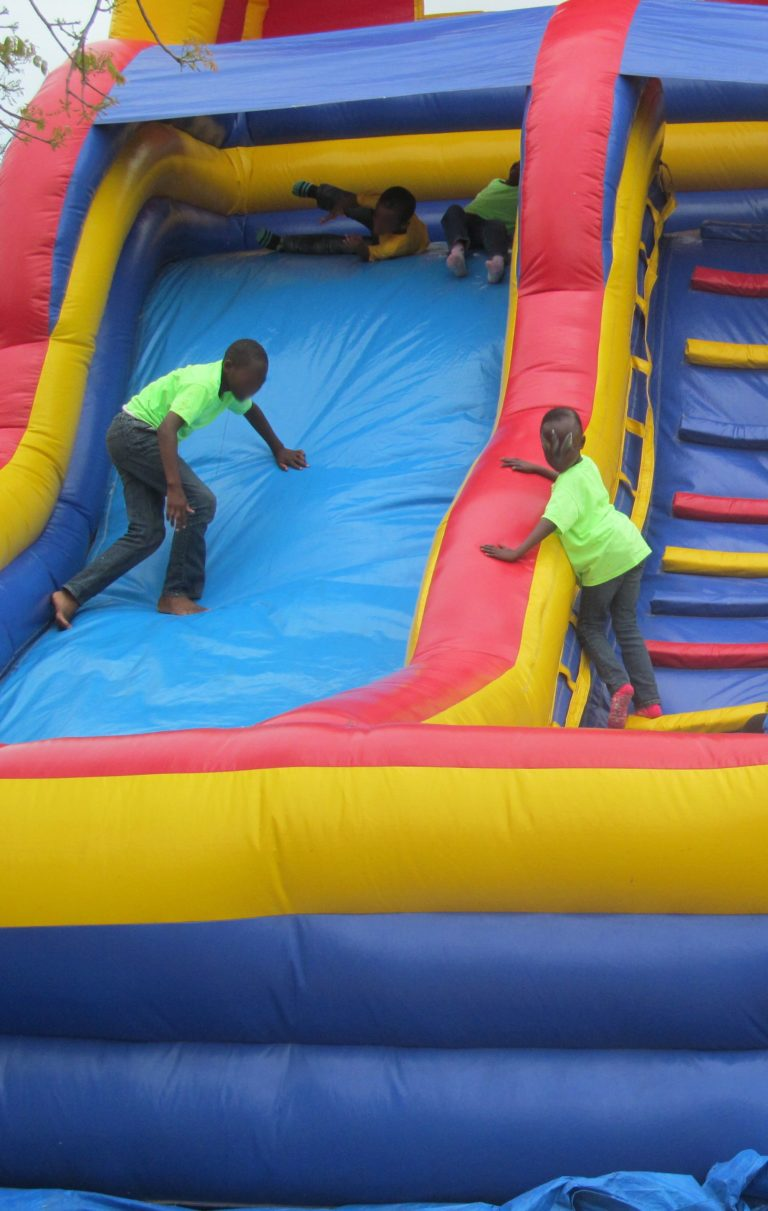 Child Protection Committee Hosts Children to 'Fun Day'