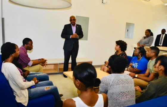 PM meets UB's Communications and Journalism class of 2019