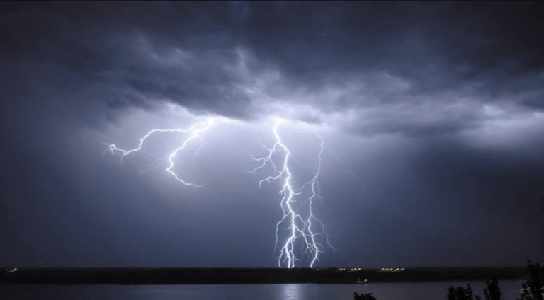 Man killed in Andros by lightning