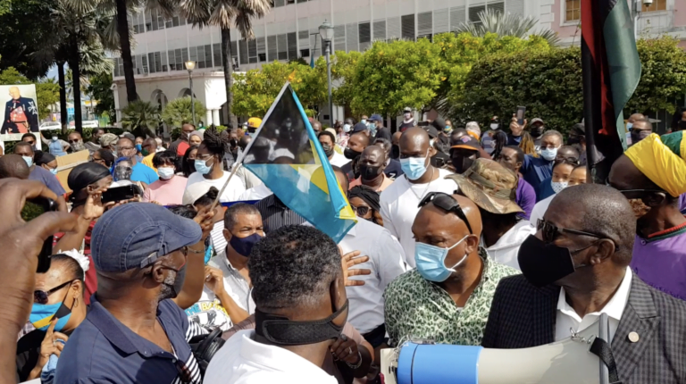 More than 200 supporters flood Rawson Square in natural resources protest