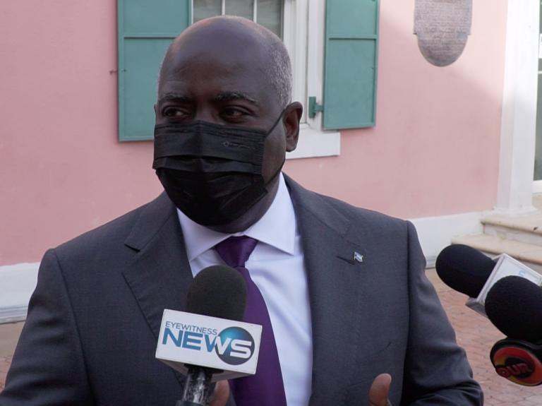 "Davis: ""Chaos"" in FNM evidences govt ""unfit"" to serve"