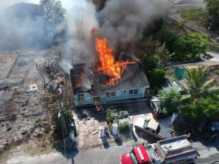 """""""WATER WAS NEVER AN ISSUE"""": Fire chief defends response to Jennie Street blaze"""