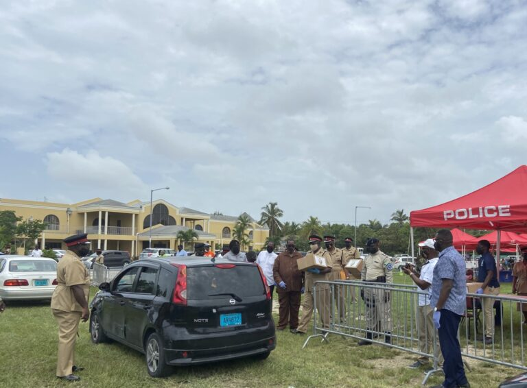 """""""POLICE ARE YOUR FRIENDS"""": RBPF partner with Ministry and Health and church for a day of give-backs"""