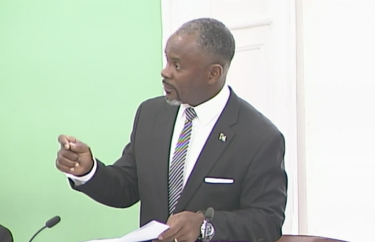 Lewis says Bahamas Games will return in 2023