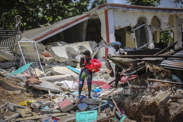 """HORRIFYING"": Bahamian resident recalls walls shaking around him as 7.2 quake strikes Haiti"