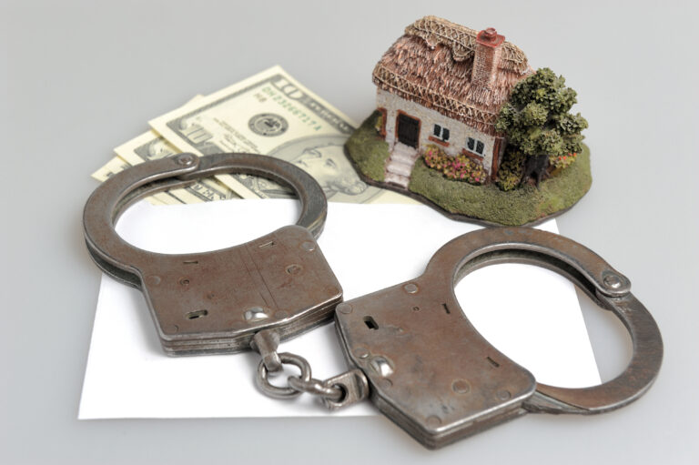 """""""THROW THEM IN JAIL"""": Leading real estate broker """"fed up"""" with law-breaking foreign sales agents"""