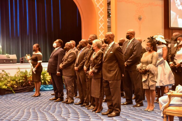 """SWORN IN: Over 1,700 attendees at """"historical"""" Speech from the Throne"""